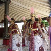 ジョグジャカルタの王宮見学とクラトンの踊り