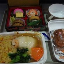 羽田から北京に行ったときの機内食 美味しかった