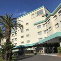 高台にある海外リゾート風ホテル♪