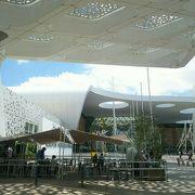 近代的でおしゃれな建物
