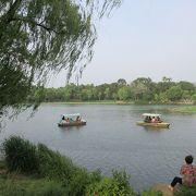 避暑山荘は山や湖、草原などを含む大きな公園のようになっていて、半日過ごせます。