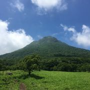 緑まぶしい草原とナイフエッジ!湯の街に聳える豊後富士から雲海を臨む
