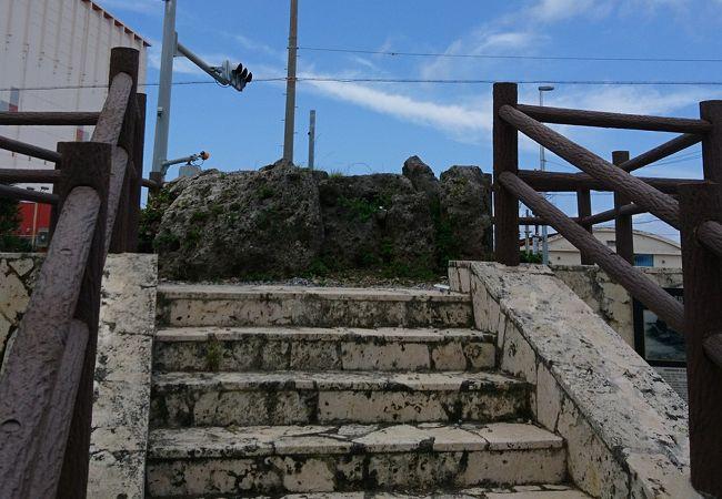 宮古島の首長を務めた人の墓