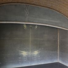 この天井に川の反射月光を映して照明にするのだそう。