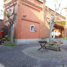 中庭があります。