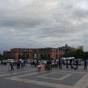 アルメニアの首都にして屈指の大都会