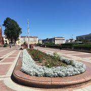スケールの大きい広場