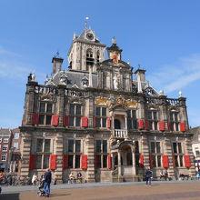 かわいらしいデザインの市庁舎