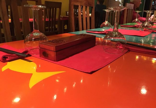 ベトナム料理というかアジアンフュージョン 内装はオシャレです