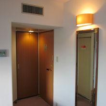 ドアの位置と客室の作りが珍しい?…