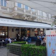 アルベルティナに行ったら,ぜひカフェ・モーツアルトへ。