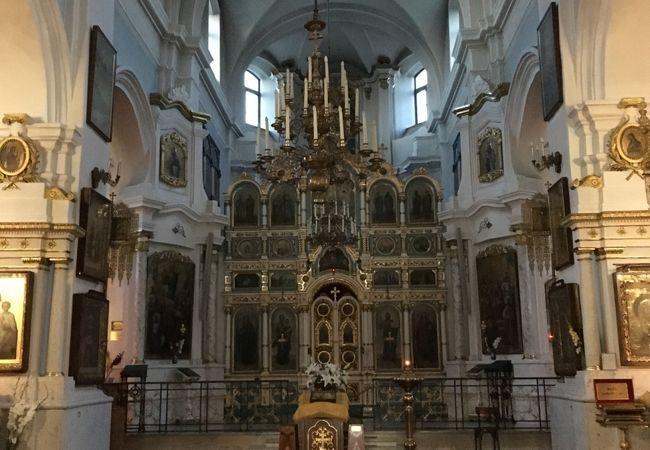 旧市街地区に建つシンボル的な聖堂
