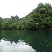 湖上から眺める絶景。