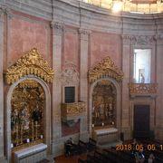 クレリゴスの塔だけでなく、教会も一見の価値あり。