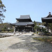 観世音寺の隣