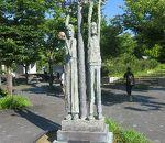 アダムとエヴァの像