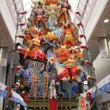 川端中央街の飾り山笠