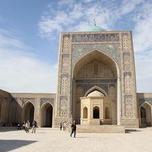 カラーン モスク