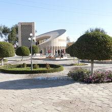 イマーム アリ ブハリ記念館