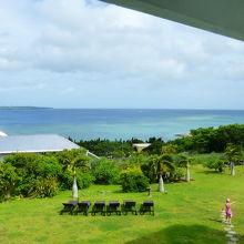 東シナ海と伊江島が見られます