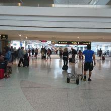 デンバー国際空港 (DEN)