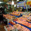 青森県の食が一堂に会した巨大な市場