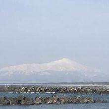 駐車場からは鳥海山が見えました。