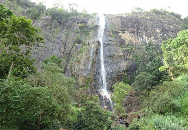 ディヤルマ滝