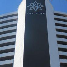 以前は、コンラッドジュピターズカジノでしたが、今は中国資本のTHE STARに名称が変わっています。
