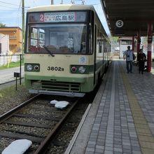 ちょうど広島駅行が止まっていました