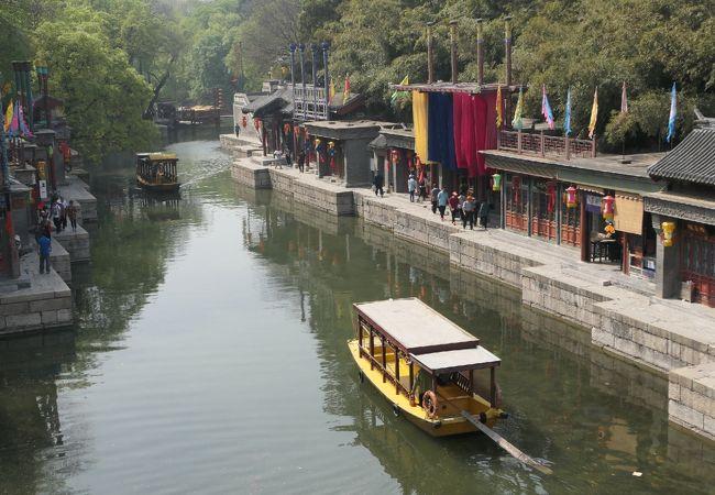 30元のチケットでは蘇州街は橋の上から見るだけ
