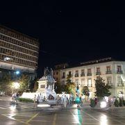 グラナダ市内中心部の広場の一つ