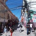 サガルナガ通りとメルカド ネグロ(市場)