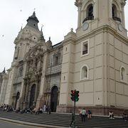 リマの象徴、大聖堂