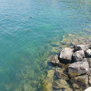 澄みきった美しい湖