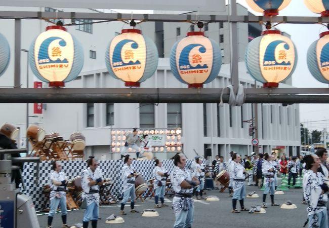 港町総出のお祭り
