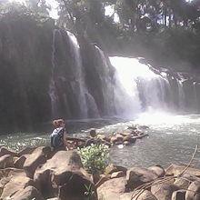 どこの滝にもバックパッカーが数人程度。。。