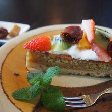 胃ぶくろ、心、視覚、そして聴覚までもが癒やされる空間のカフェ