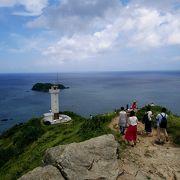 岬の小山に登ると余計に景色がいい