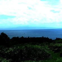 石垣島がうっすら見える