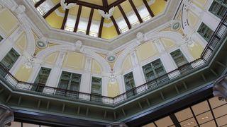 復元されたドーム天井が素敵