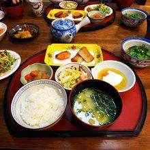 朝ごはんの和定食