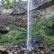 西表☆大迫力!滝壺で飛び込み遊びが楽しい