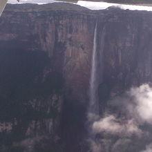 セスナ機からのエンジェルフォール真横からの撮影