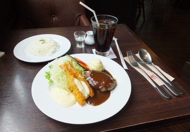 美味しいコーヒーと日本の洋食と