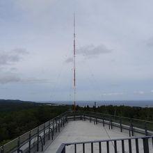 屋上の展望台 右側にはNHKの電波塔も見えます