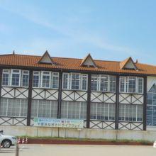 浜辺の建物
