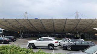 ザルツブルグ空港 (SZG)