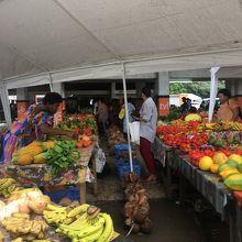 地元の食料マーケット