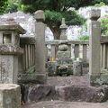 写真:北条時頼の墓